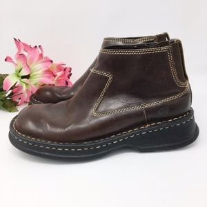 BORN Womens Chelsea Brown Leather Boots Sz 6.5
